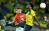 PEREIRA - COLOMBIA, 18-01-2020: Jackson Poroso de Ecuador disputa el balón con Nicolas Ramirez de Chile durante partido de la fecha 1, grupo A, del CONMEBOL Preolímpico Colombia 2020 jugado en el estadio Hernán Ramírez Villegas de Pereira, Colombia. /  Jackson Poroso of Ecuador fights the ball with Nicolas Ramirez of Chile during match of the date 1, group A, for the CONMEBOL Pre-Olympic Tournament Colombia 2020 played at Hernan Ramirez Villegas stadium in Pereira, Colombia. Photo: VizzorImage / Julian Medina / Cont