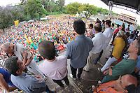 ÃO PAULO,SP, 17.10.2015 - HADDAD-KASSAB - O Ministro Gilberto Kassab e o Governador Geraldo Alckmin durante o anúncio para construção de 592 unidades habitacionais do Barra do Jacaré, no bairro de Pirituba região oeste de São Paulo na tarde deste sábado (17). ( Foto Marcio Ribeiro / Brazil Photo Press)