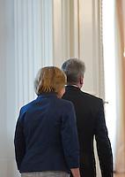 Berlin, Bundespräsident Joachim Gauck und seine Lebensgefährtin Daniela Schadt am Montag (17.06.13) im Schloss Bellevue aus Anlass des 60. Jahrestages des Volksaufstands vom 17. Juni 1953 bei einem Fototermin. Foto: Steffi Loos/CommonLens