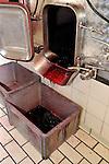 20081001 - France - Bourgogne - Dijon<br /> A LA FABRIQUE DE CASSIS BRIOTTET, 12 RUE BERLIER A DIJON.<br /> Ref : CASSIS_BRIOTTET_006.jpg - © Philippe Noisette.