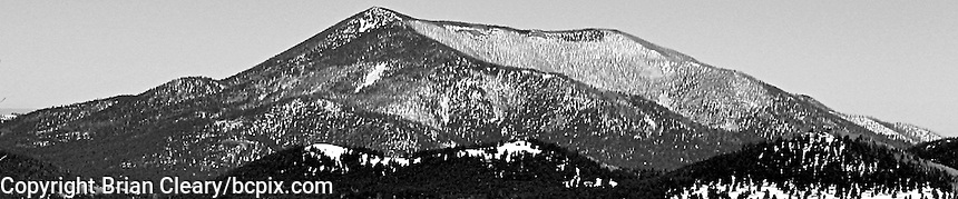 A western United States mountain range, black and white,  web banner photo, 1200x250 pixels. (Photo by Brian Cleary/www.bcpix.com) 1200x250 pixels and 500x100 pixels available.