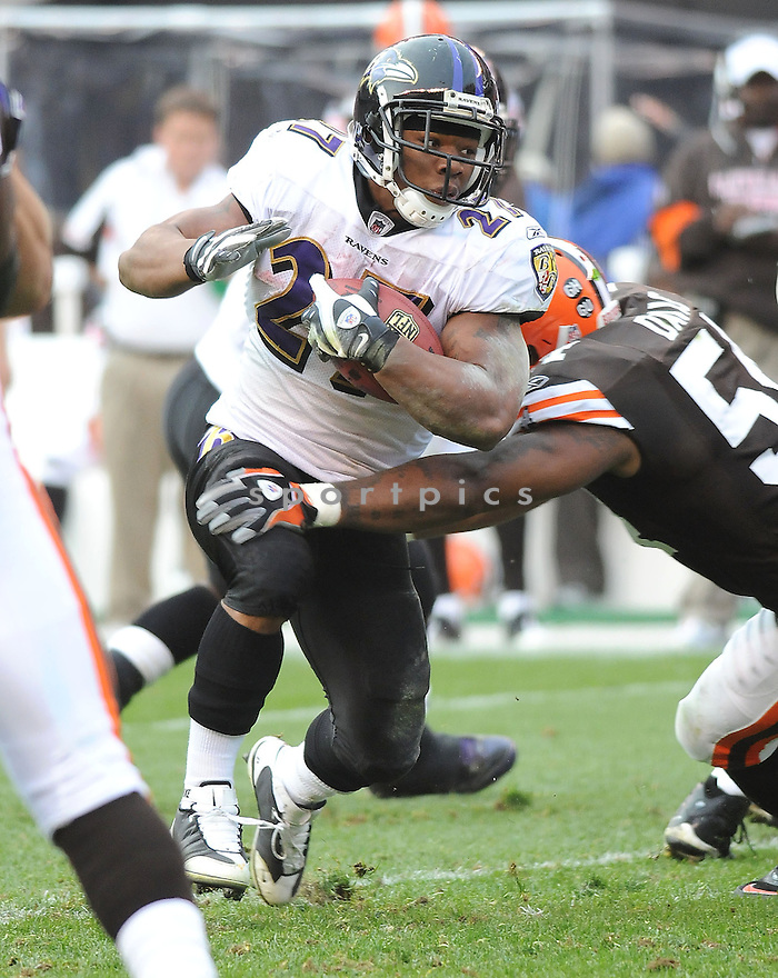 RAY RICE, of the Baltimore Ravens, in action against the Cleveland Browns during the Ravens game in Cleveland, Ohio on November 2, 2008. ..Ravens  win 37-27