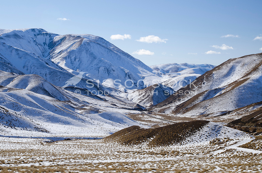 Winter snow covers hills and ridgelines of Lindis Pass Scenic Reserve, Detail images, Central Otago, South Island