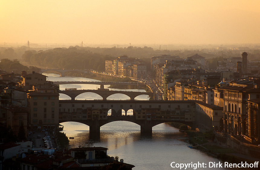 Piazzale Michelangelo, Blick auf Arno, Florenz, Toskana, Italien, Unesco-Weltkulturerbe
