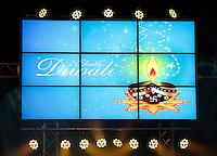 Nederland  Amstelveen 2016. Divali ( Diwali ) viering. Hindoes vieren Divali in het stadshart van Amstelveen. Op het schaaltje staat een swastika teken, een eeuwenoud religieus symbool. Foto Berlinda van Dam / Hollandse Hoogte