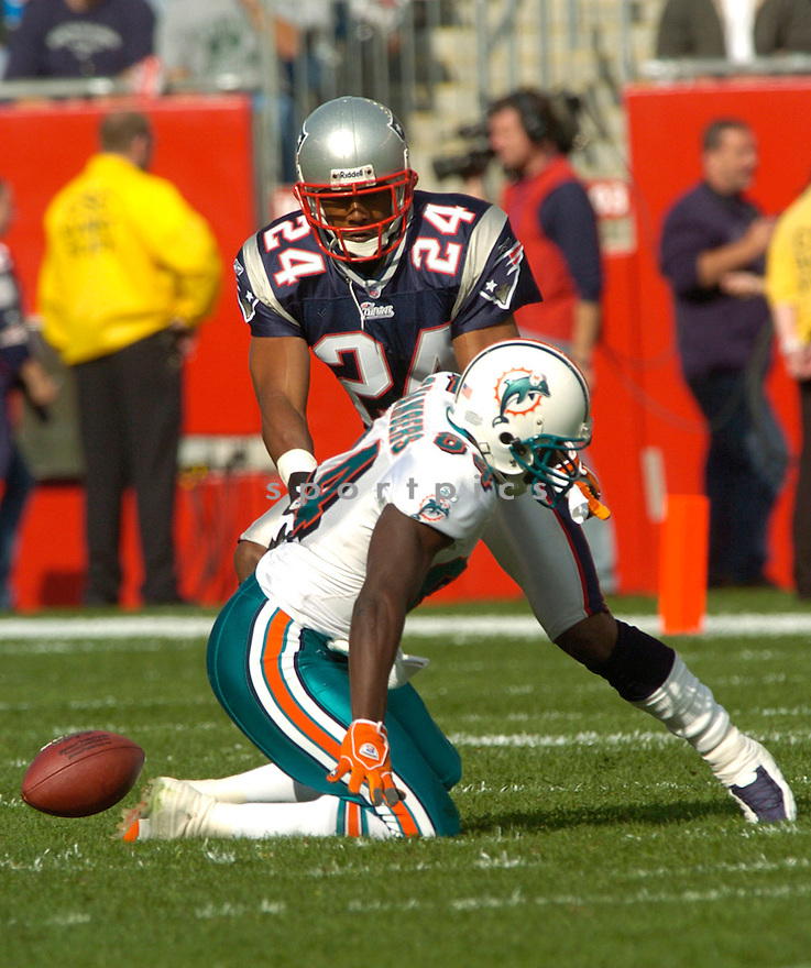 Ty Law during the New England Patriots v. Miami Dolphins game on October 10, 2004...Patriots win 24 - 10..David Durochik / SportPics