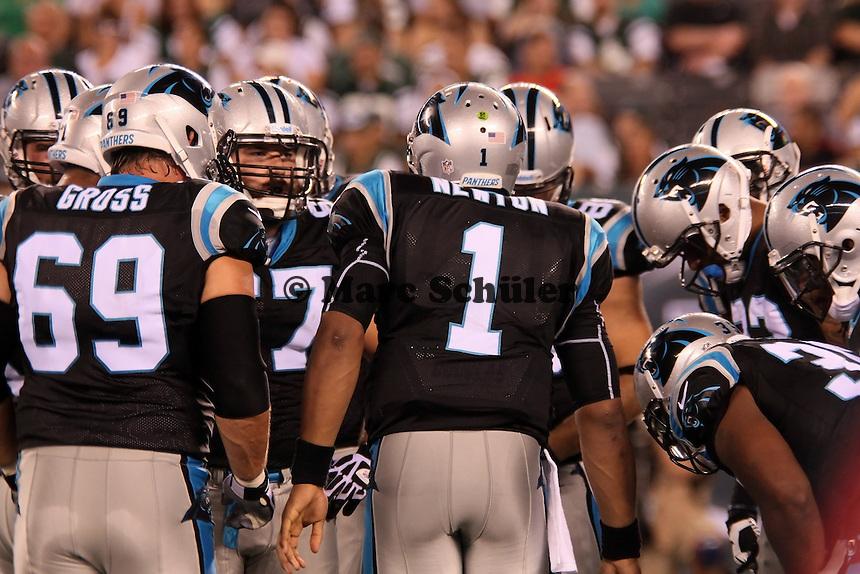 QB Cam Newton (Panthers) gibt Anweisungen