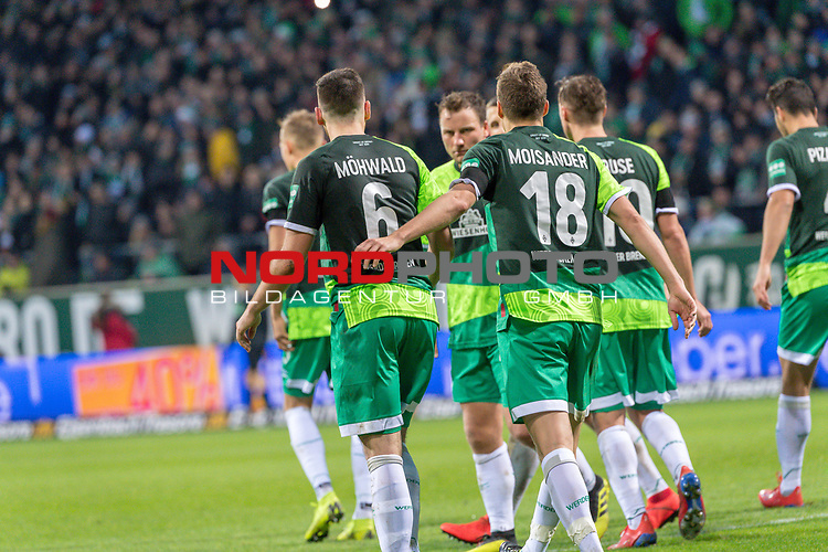 10.02.2019, Weser Stadion, Bremen, GER, 1.FBL, Werder Bremen vs FC Augsburg, <br /> <br /> DFL REGULATIONS PROHIBIT ANY USE OF PHOTOGRAPHS AS IMAGE SEQUENCES AND/OR QUASI-VIDEO.<br /> <br />  im Bild<br /> <br /> jubel Davy Klaassen (Werder Bremen #30)<br /> Kevin Möhwald / Moehwald (Werder Bremen #06)<br /> Niklas Moisander (Werder Bremen #18)<br /> <br /> <br /> Foto © nordphoto / Kokenge