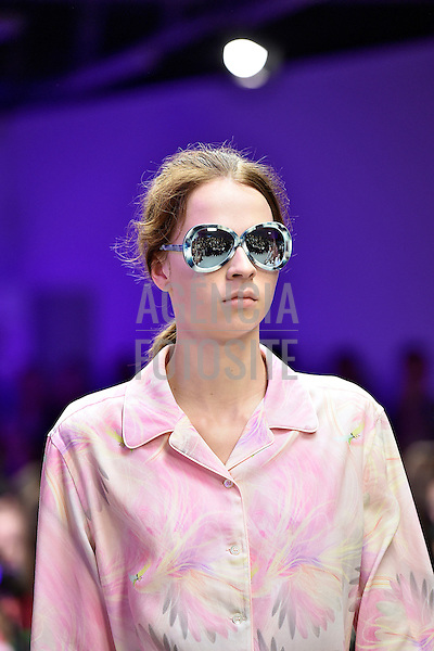 Londres, Inglaterra &sbquo;09/2014 - Desfile de Giles durante a Semana de moda de Londres  -  Verao 2015. <br /> <br /> Foto: FOTOSITE