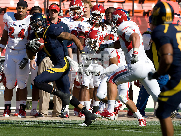 Marvin Jones of California runs the ball after caught a pass during the game against Fresno State at Candlestick Park in San Francisco, California on September 3rd, 2011.  California defeated Fresno State, 36-21.