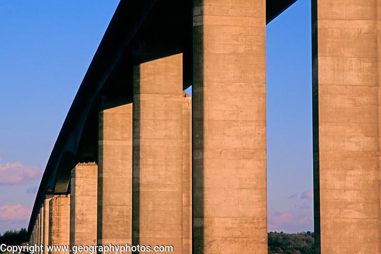 A753W0 Orwell bridge concrete support columns Suffolk England