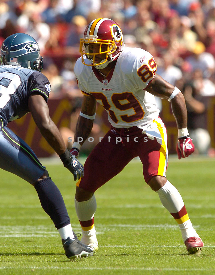 Santana Moss, of the Washington Redskins, during their game against the Seattle Seahawks on October 2, 2005...Redskins win 20-17...David Durochik / SportPics