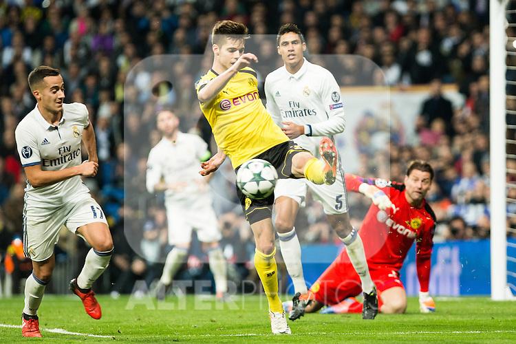 Borussia Dortmund during Champions League match between Real Madrid and Borussia Dortmund  at Santiago Bernabeu Stadium in Madrid , Spain. December 07, 2016. (ALTERPHOTOS/Rodrigo Jimenez)