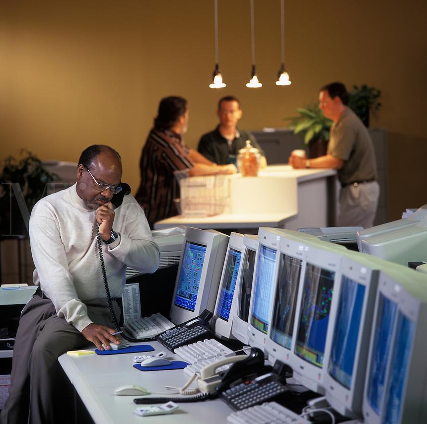 24 hour energy trading room