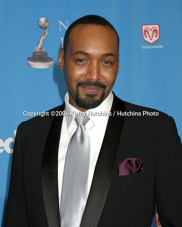 Jesse L. Martin.37th NAACP Image Awards.Shrine Auditorium.Los Angeles, CA.February 25, 2006.©2006 Kathy Hutchins / Hutchins Photo....                 V