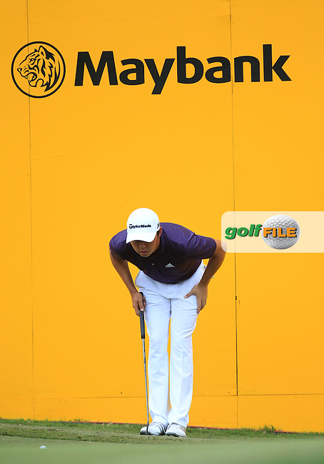 David Lipsky (USA) on the 18th green during Round 4 of the Maybank Championship on Sunday 12th February 2017.<br /> Picture:  Thos Caffrey / Golffile<br /> <br /> All photo usage must carry mandatory copyright credit     (&copy; Golffile | Thos Caffrey)