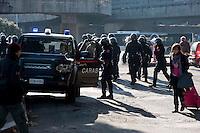 Roma 28 Novembre 2011.Inaugurata la nuova Stazione Tiburtina dell'alta velocità..I carabinieri controllano i No Tav
