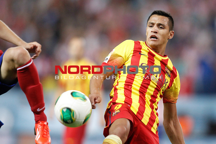 FC Barcelona's Alexis Sanchez during Supercup of Spain 1st match.August 21,2013. Foto © nph / Acero)
