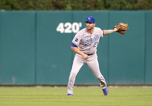 August 29, 2011:  Kansas City Royals right fielder Jeff Francoeur (#21) throws the ball to third base during MLB game action between the Kansas City Royals and the Detroit Tigers at Comerica Park in Detroit, Michigan.  The Royals defeated the Tigers 9-5.