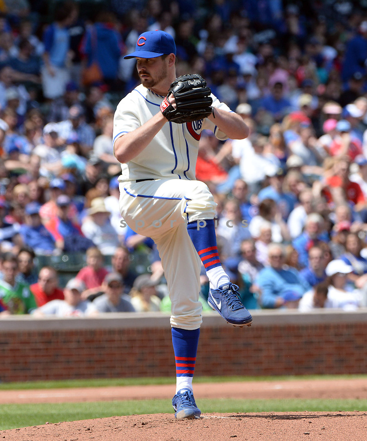 Chicago Cubs Travis Wood (37) during a game against the Milwaukee Brewers on May 18, 2014 at Wrigley Field in Chicago, IL. The Cubs beat the Brewers 4-2.