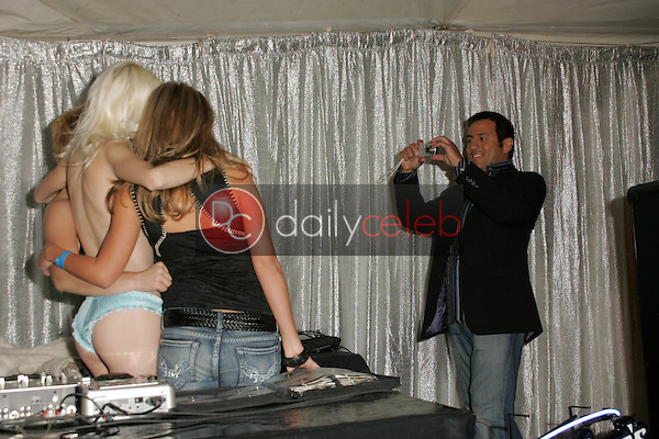 """Leo Quinones hard at work<br /> at """"Milwaukee's Best"""" Bash hosted by 97.1 Free FM's """"Two Chicks and a Bunny,"""" Playboy Mansion, Beverly Hills, CA 02-25-06<br /> <br /> David Edwards/DailyCeleb.com 818-249-4998"""