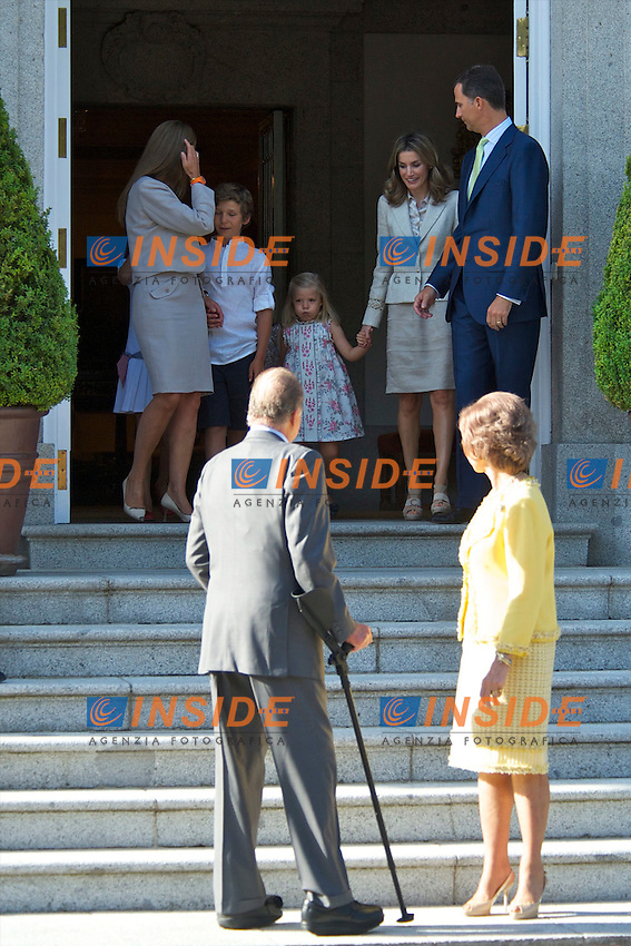 Spanish King Juan Carlos, Queen Sofia, Prince Felipe, Princess Letizia, Princess Leonor, Princess Sofia, Princess Elena her daughter Victoria Federica and son Felipe Juan Froilan attends attend a meeting with Pope Benedict XVI at the Zarzuela Palace in Madrid, on August 19, 2011.Foto: Billy Chappel / ALFAQUI/Insidefoto