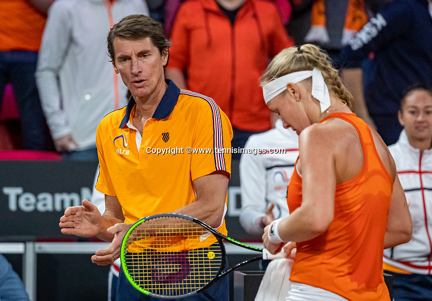 The Hague, The Netherlands, Februari 7, 2020,    Sportcampus, FedCup  Netherlands -  Balarus, Seccond match on friday:  Kiki Bertens (NED) and captain Paul Haarhuis<br /> Photo: Tennisimages/Henk Koster