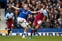 Tom Davies of Everton and Sebastien Haller of West Ham United during the Premier League match between Everton and West Ham United at Goodison Park on October 19th 2019 in Liverpool, England. (Photo by Daniel Chesterton/phcimages.com)<br /> Foto PHC/Insidefoto <br /> ITALY ONLY