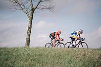Jonas Rickaert (BEL/Sport Vlaanderen-Baloise) &amp; Jan-Willem Van Schip (NED/Roompot-Nederlandse Loterij) crossing over to race leader Sean De Bie<br /> <br /> 106th Scheldeprijs 2018 (1.HC)<br /> 1 Day Race: Terneuzen (NED) - Schoten (BEL)(200km)