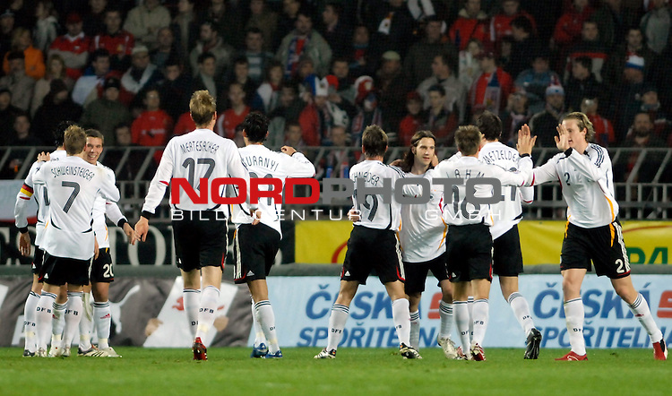 EM 06/07 Qualifikation Gruppe: D - <br /> Europameisterschafts-Endrunde<br /> <br /> Tschechien ( CZE ) - Deutschland ( GER )<br /> <br /> 1:0 Deutschland durch Kevin Kuranyi<br /> Torjubel Deutschland<br /> <br /> Foto :&copy; nph (nordphoto) <br /> <br /> <br /> <br />  *** Local Caption ***