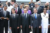 L'Aquila: Foto di gruppo con il leader libico Muammar Gheddafi al G8