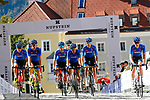 Italian team before the Men Junior Road Race of the 2018 UCI Road World Championships running 132.4km from Wattens to Innsbruck, Innsbruck-Tirol, Austria 2018. 27th September 2018.<br /> Picture: Innsbruck-Tirol 2018/BettiniPhoto | Cyclefile<br /> <br /> <br /> All photos usage must carry mandatory copyright credit (© Cyclefile | Innsbruck-Tirol 2018/BettiniPhoto)