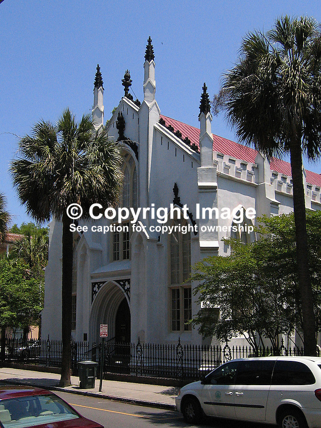 French Huguenot Church, Charleston, South Carolina, USA. 200705140047..Copyright Image from Victor Patterson, 54 Dorchester Park, Belfast, UK, BT9 6RJ..Tel: +44 28 9066 1296.Mob: +44 7802 353836.Voicemail +44 20 8816 7153.Skype: victorpattersonbelfast.Email: victorpatterson@mac.com.Email: victorpatterson@ireland.com (back-up)..IMPORTANT: If you wish to use this image or any other of my images please go to www.victorpatterson.com and click on the Terms & Conditions. Then contact me by email or phone with the reference number(s) of the image(s) concerned.