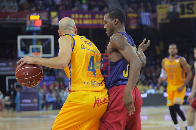 League ACB-ENDESA 2016/2017. Game: 11.<br /> FC Barcelona Lassa vs Herbalife Gran Canaria: 79-78.<br /> Albert Oliver vs Alex Renfroe.