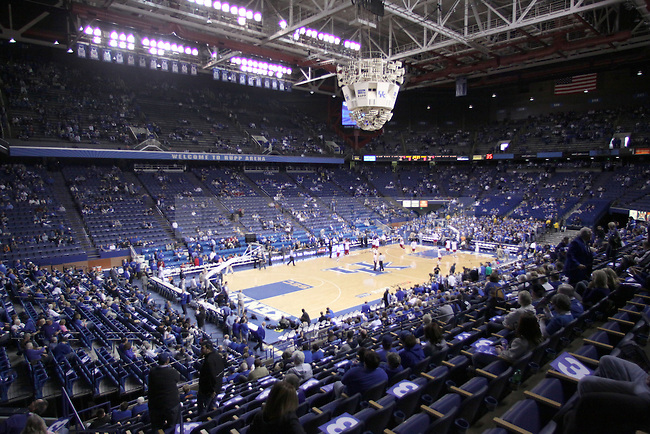 The Kentucky Wildcats face off against the Arkansas Razorbacks at Rupp Arena on Saturday. Photo by Zach Brake | Staff..