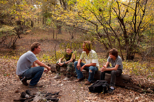 Jeff Nichols (Director), Jacob Lofland, Matthew McConaughey, Tye Sheridan.on the set of Mud (2012) .*Filmstill - Editorial Use Only*.CAP/NFS.Supplied by Capital Pictures.