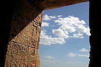 Templo de Kukulcan.<br /> Zona arqueologica de Chichen Itza Zona arqueol&oacute;gica  <br /> Chich&eacute;n Itz&aacute;Chich&eacute;n Itz&aacute; maya: (Chich&eacute;n) Boca del pozo; <br /> de los (Itz&aacute;) brujos de agua. <br /> Es uno de los principales sitios arqueol&oacute;gicos de la <br /> pen&iacute;nsula de Yucat&aacute;n, en M&eacute;xico, ubicado en el municipio de Tinum.<br /> *Photo:&copy;Francisco* Morales/DAMMPHOTO.COM/NORTEPHOTO