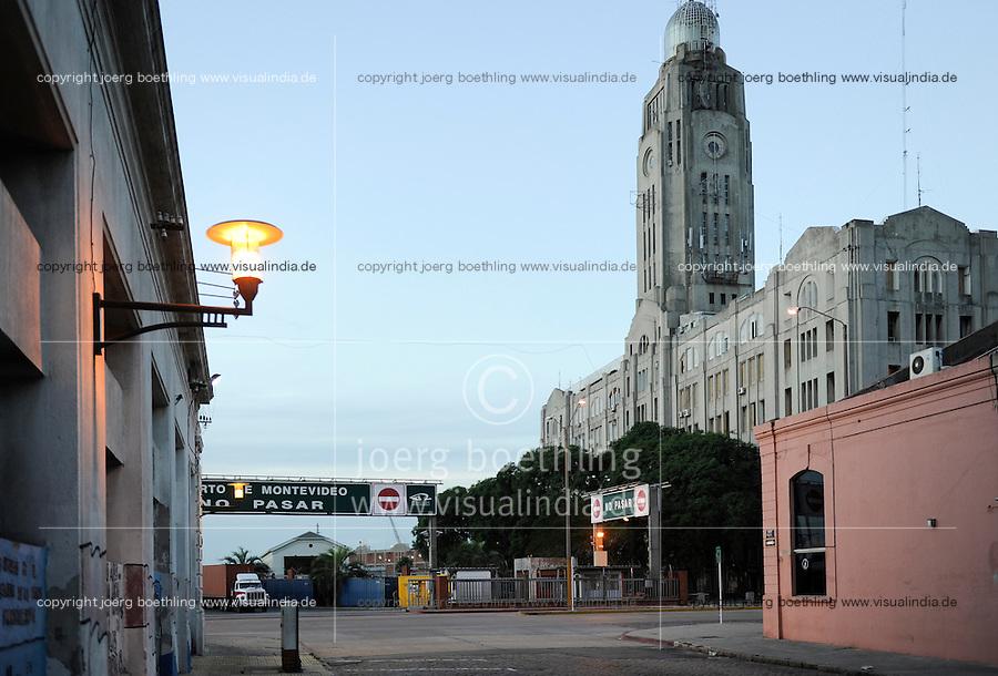 URUGUAY Montevideo, port