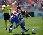Atletico de Madrid Femenino's Esther Gonzalez (l) and Real Sociedad's Nahikari Garcia during Liga Femenina Endesa - Women League match. May 20,2017. (ALTERPHOTOS/Inma Garcia)
