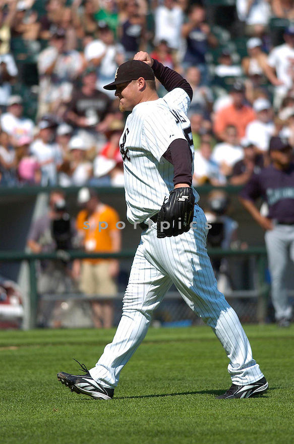 BOBBY JENKS, of the Chicago White Sox , in action during the White Sox game against the Seattle Mariners in Chicago, IL on August 12, 2007...Mariners  win 6-0..CHRIS BERNACCHI/ SPORTPICS.....