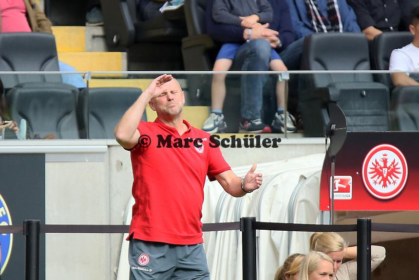 Trainer Thomas Schaaf (Eintracht) regt sich auf - Eintracht Frankfurt vs. FC Augsburg, Commerzbank Arena
