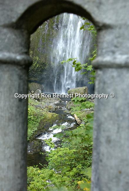 Multnomah Falls Bridal Veil Oregon, USA, Pacific Ocean, Plains, woods, mountains, rain forest, desert, rain, Rose City, Portland, Lake Oswego, Pacific Northwest,