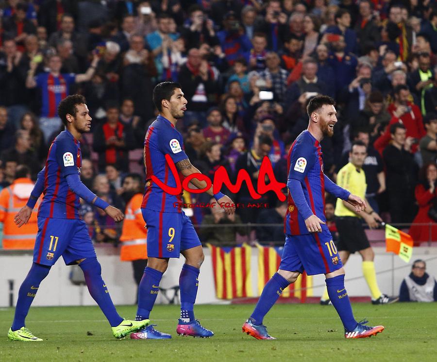 Neyma, Luis Suarez y Messi en el partido de liga entre el FC Barcelopna contra el Valencia en el Camp Nou