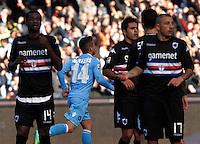 Dries Mertens  esulta dopo   gol durante l'incontro di calcio di Serie A  Napoli Sampdoria allo  Stadio San Paolo  di Napoli , 6 gennaio 2014