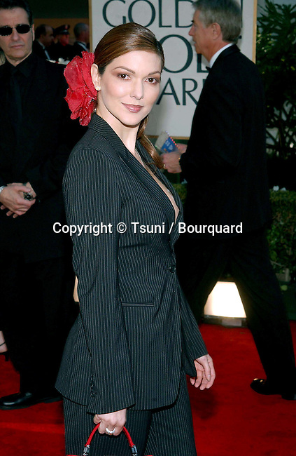 Laura Harring (MULHOLLAND DRIVE) arrives at the 2002 GOLDEN GLOBE AWARDS at the Beverly Hills Hilton in Beverly Hills, CA, Sunday, January 20, 2002.           -            HarringLaura01.jpg