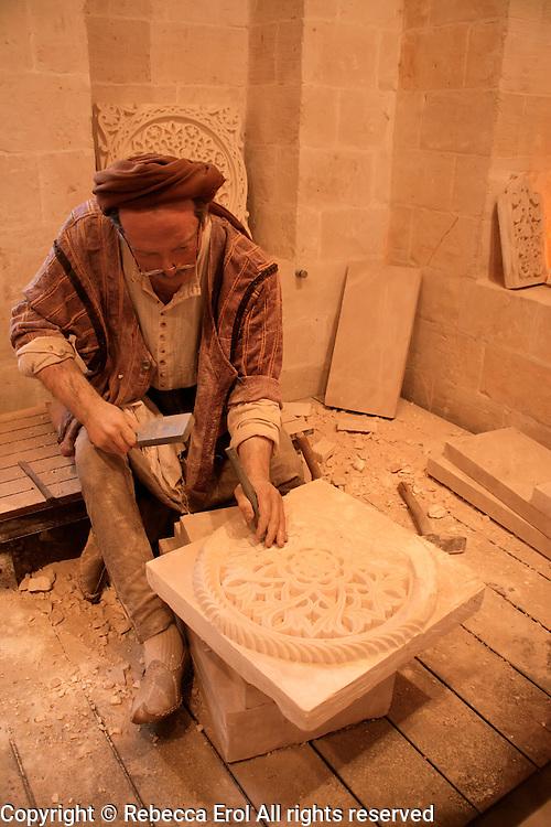 Sakip Sabanci Museum, Mardin, southeastern Turkey: stonemason