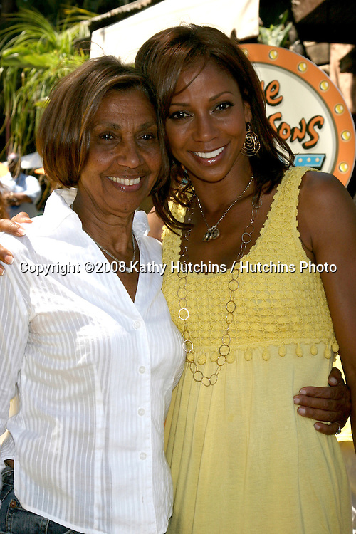 "Holly Robinson Peete and Her mother Delores Robinson.""The Simpson's Ride"" Grand Opening.Universal Studios Theme Park.Los Angeles, CA.May 17, 2008.©2008 Kathy Hutchins / Hutchins Photo ."