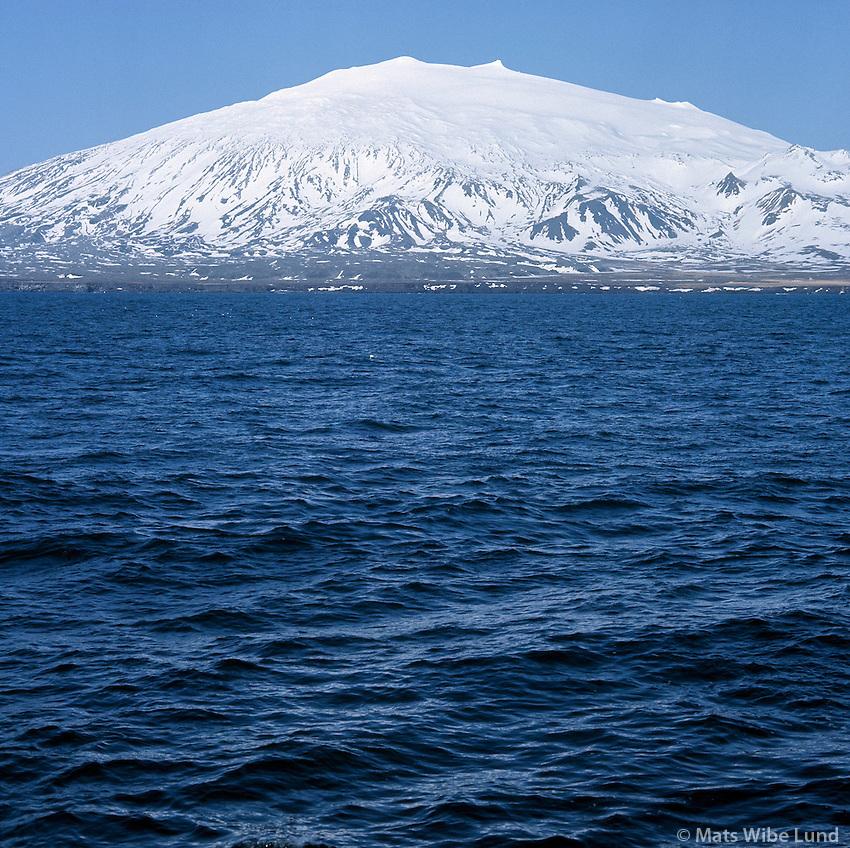 Snæfellsjökull séð að sunnan, Faxaflói. /  Snaefellsjokull glacier and extinct volcano, view from south,  Faxafloi bay.