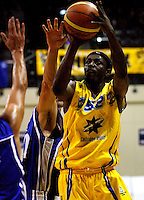 Lemar Gayle tries to beat the Wellington defence during the NBL Basketball match between Wellington Saints and Otago Nuggets at TSB Bank Arena, Wellington, New Zealand on Sunday, 30 March 2008. Photo: Dave Lintott / lintottphoto.co.nz