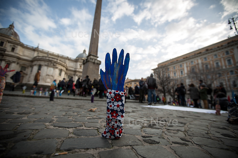 Rome, 25/01/2020. Today, Artisti Resistenti Roma and Prima gli esseri umani held a flash mob for Peace in Piazza dell'Esquilino (1.). <br />